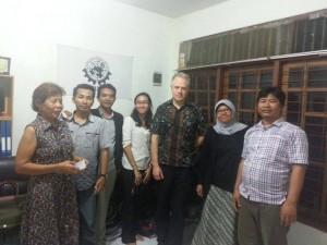 Pengurus DPN SBMI bersama Simon Cox Salah Seorang Pengacara Inrnasional