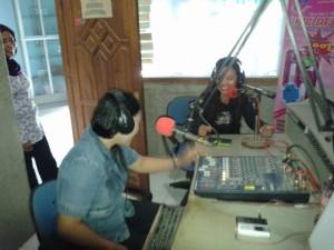Jiati Ningsih disalah satu radio komunitas bojonegoro