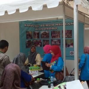 Stand SBMI Wonosobo di Expo Kreatifitas Wirausaha Muda Untuk Indonesia Mandiri Semarang Jateng
