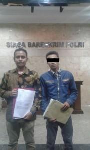 Rizky dari SBMI (kiri) dan SDY, salah satu korban (kanan) di Bareskrim Polri